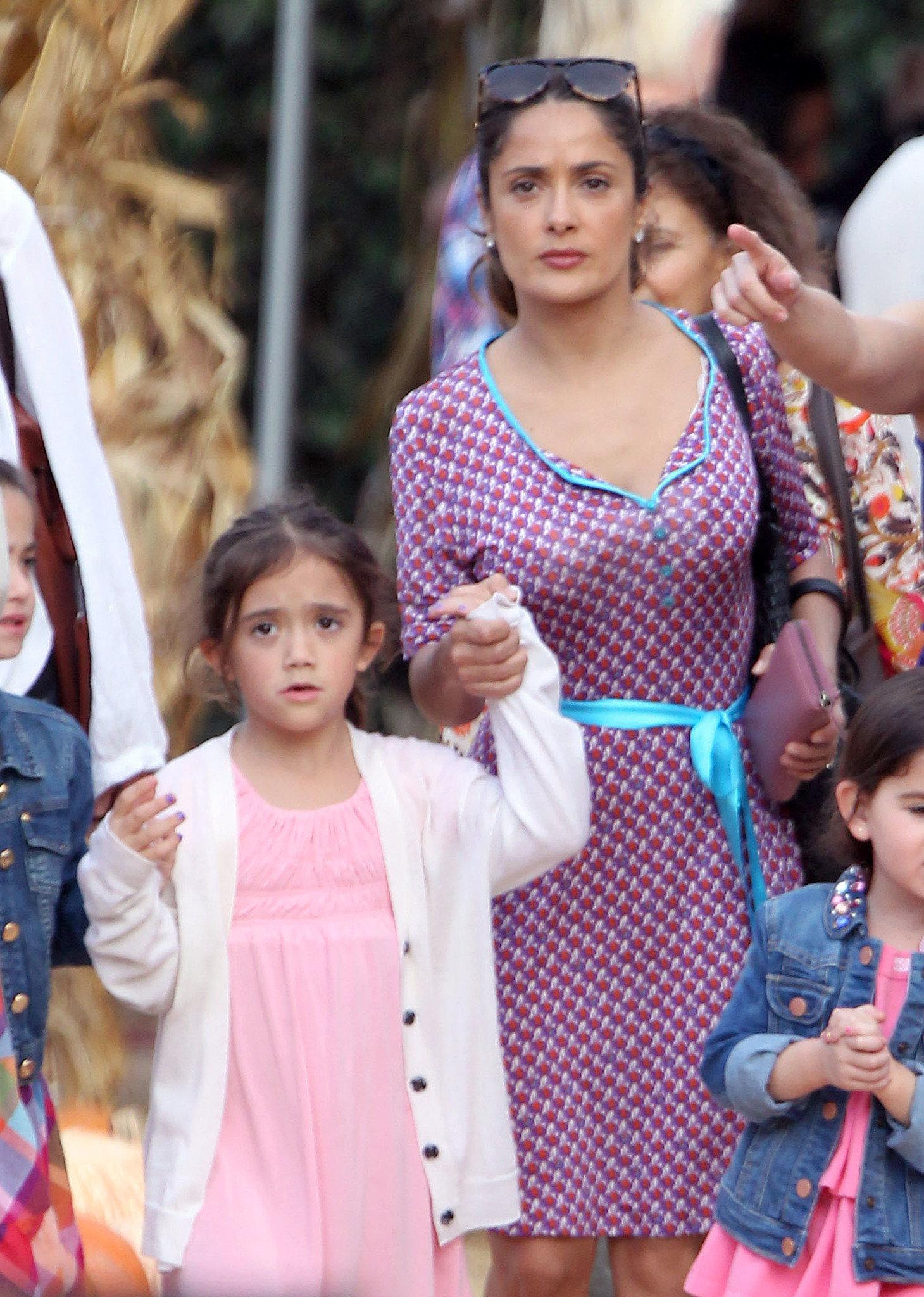 Salma-Hayek-went-pumpkin-hunting-LA-Saturday-her-daughter