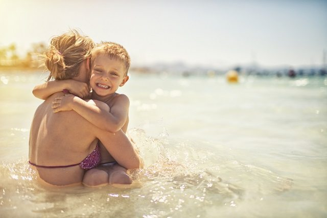 family holiday, when to tan before holidays, should I get colour done before or after holidays, when to wax before holidays, when to get a manicure before holidays,